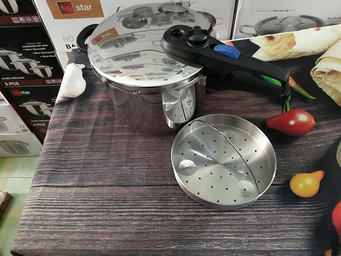 Nồi áp suất dùng bếp từ